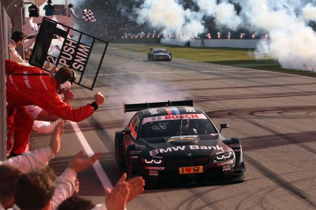 09 BMW Team Schnitzer, Bruno Spengler, BMW Bank M3 DTM.jpg Succesul total reuşit de BMW Motorsport în sezonul de revenire în DTM s-a datorat evoluţiei foarte bune reuşită de toţi cei şase piloţi - patru dintre aceştia au fost debutanţi în DTM (Priaulx, Farfus, Werner şi Hand). Cu toate acestea, BMW a fost constructorul cu cele mai multe victorii - 5 (Spengler - 4, Farfus -1), cele mai multe pole position - 5 (Spengler - 3, Farfus - 2) şi cea mai mare medie de puncte pe etapă (57,7), deşi a avut doar şase piloţi, faţă de opt câţi au avut Audi, respectiv Mercedes.
