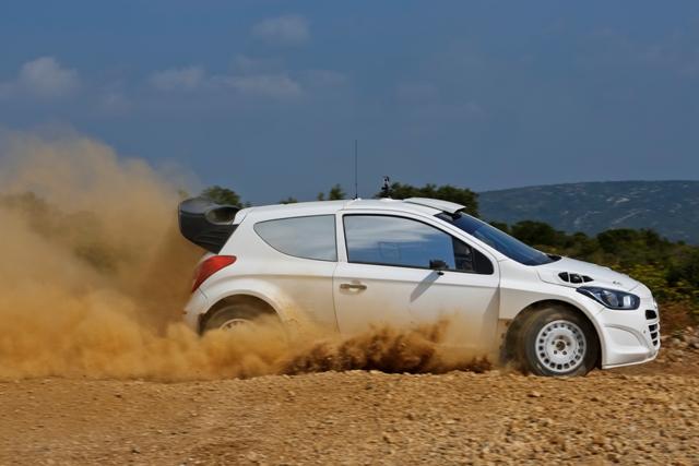 Hyundai i20-WRC-July-gravel-tests
