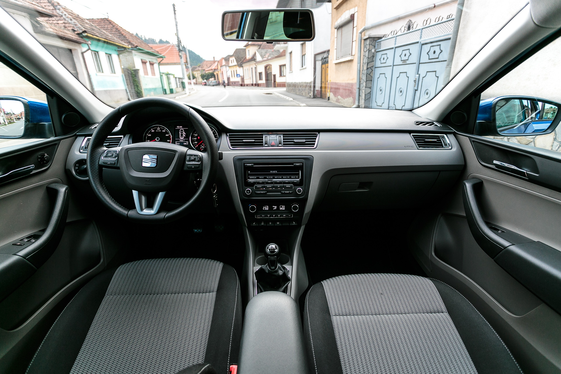 drive test seat toledo 1 2 tsi 105 cp style motorsport news. Black Bedroom Furniture Sets. Home Design Ideas