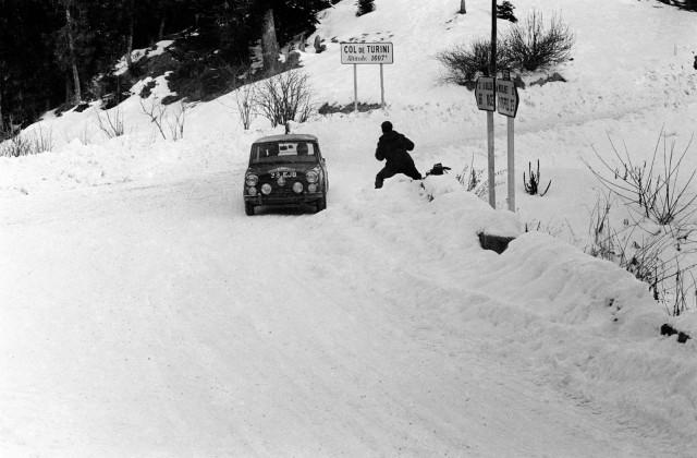 1964_-Prima_victorie_in_Raliul_Monte_Carlo_medium_1600x1051