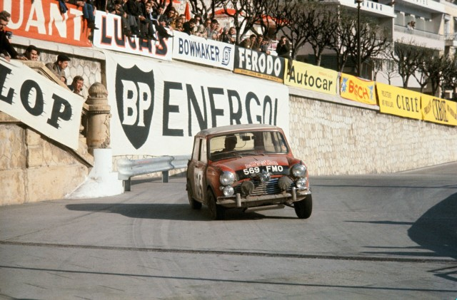 1964_-Prima_victorie_in_Raliul_Monte_Carlo_medium_1600x1053