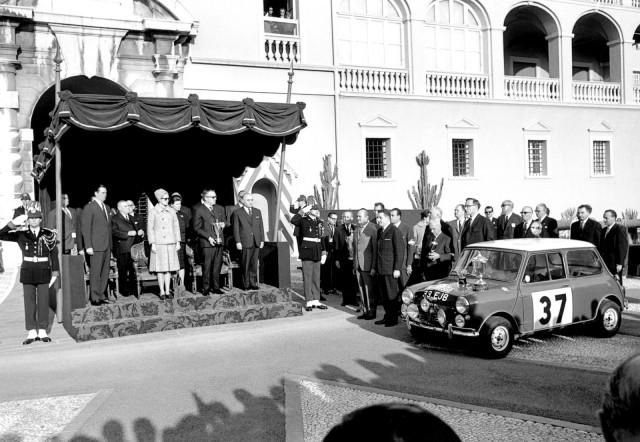 1964_-Prima_victorie_in_Raliul_Monte_Carlo_medium_1600x1105
