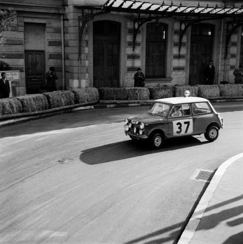 1964_-Prima_victorie_in_Raliul_Monte_Carlo_medium_1600x1601