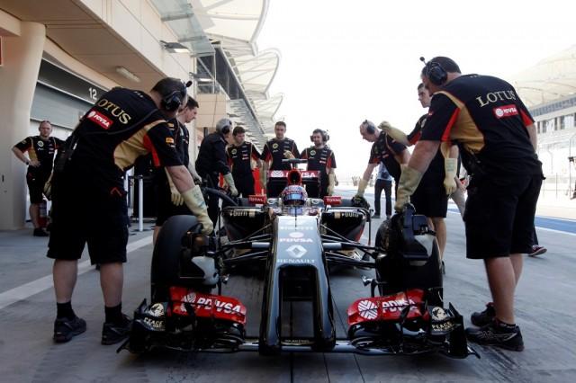 2014 F1 Pre Season Test 2 - Day 1 Bahrain International Circuit, Bahrain. Wednesday 19 February 2014. Romain Grosjean, Lotus F1. World Copyright: Andrew Ferraro/Lotus F1. ref: Digital Image _Q0C1376