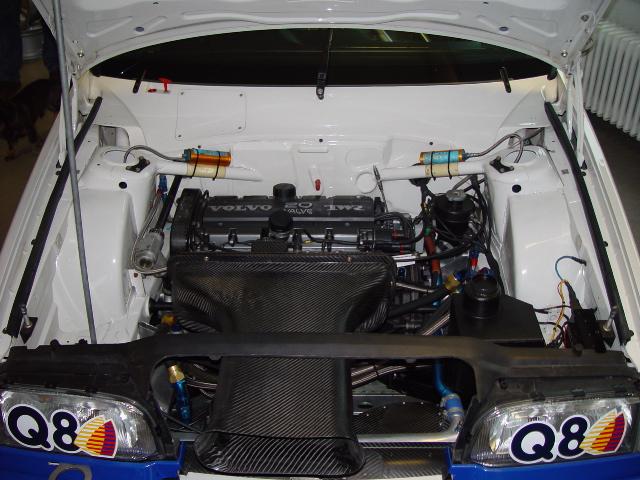 Volvo 850 Estate BTCC engine