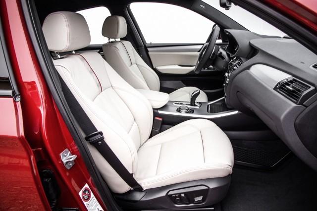 BMW_X4_interior_medium_1600x1065 (1)