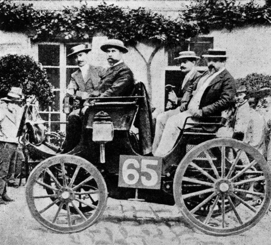 Peugeot with an engine produced under a Daimler license