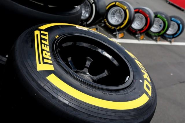 P-Zero-Yellow-with-white-tyre