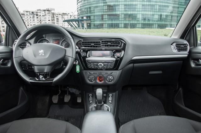 Peugeot 301-11