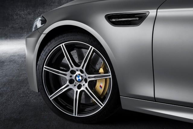 BMW_M5_30_Jahre_medium_1600x1068 (1)