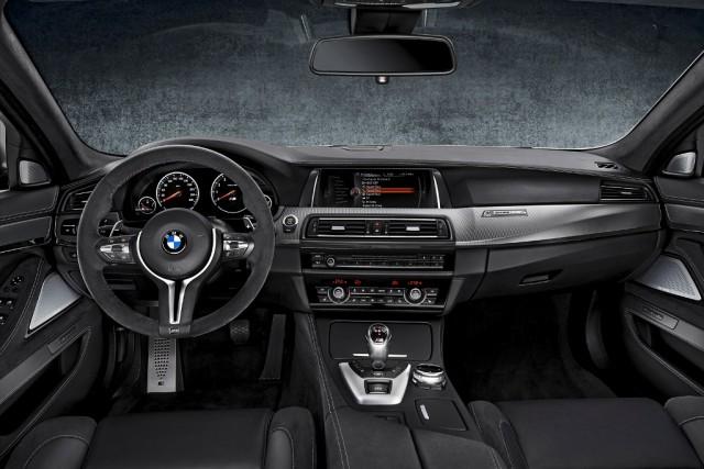 BMW_M5_30_Jahre_medium_1600x1068