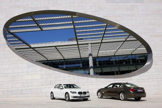 Noul_BMW_Seria_7_-_exterior_medium_1600x1067