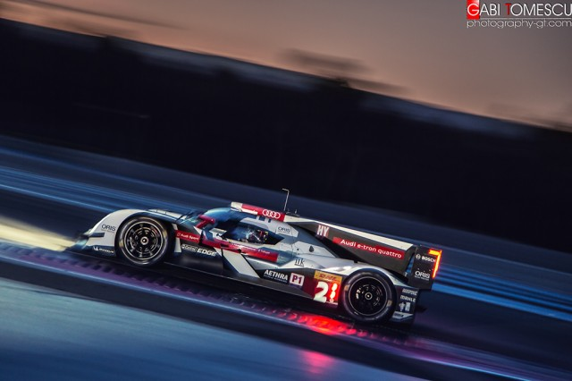 Marcel Fassler (CHE) / Andre Lotterer (DEU) / Benoit Treluyer (FRA) driving the #2 LMP1 Audi Sport Team Joest (DEU) Audi R18 e-tron quattro