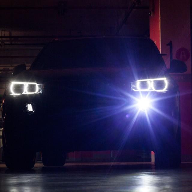 BMW Night Vision cu Spot dinamic de lumină
