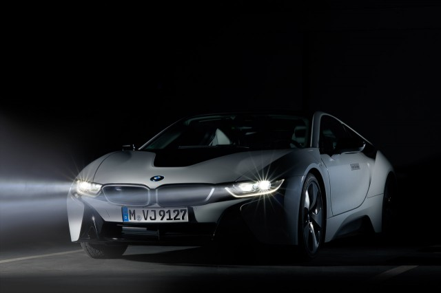 BMW i8 cu Laser Lights