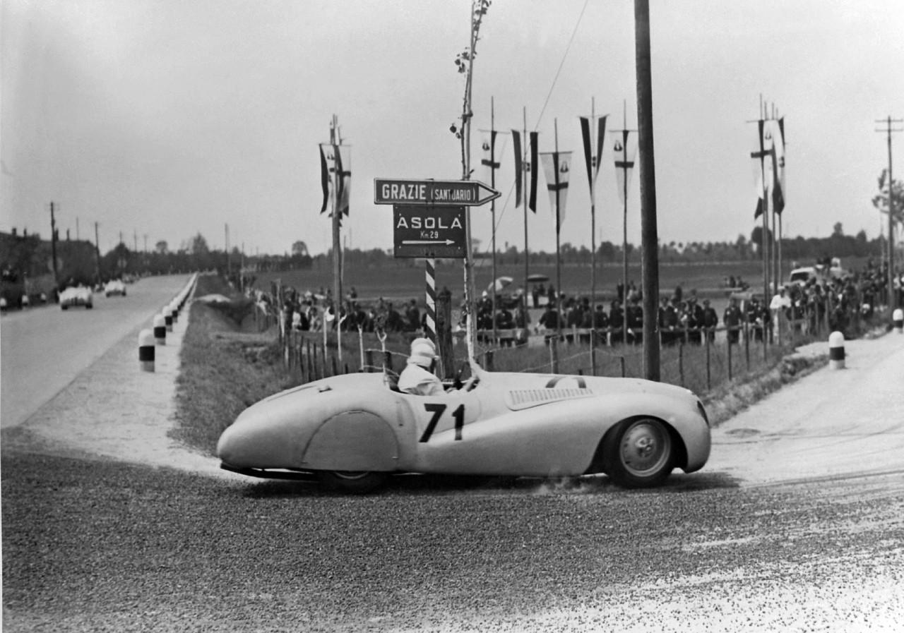 """BMW 328 """"Mille Miglia"""" 'Trouser Crease' Roadster during the 1st Italian Mille Miglia Grand Prix in Brescia, April 28, 1940 (03/2010)"""